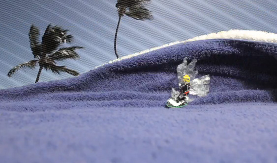 Stop Motion Surfing – Lego Man Shredding Waves