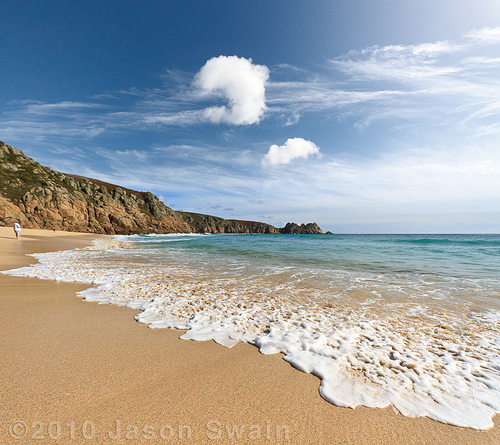 Porthcurno Beach – Waves and clouds are just like snowflakes