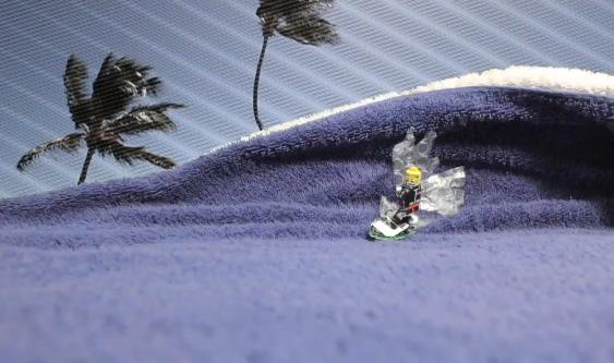 Stop Motion Surfing – Lego Man Shredding Waves