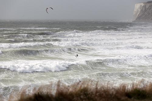 Wild Wight Water – Kite-surfing at Freshwater Bay